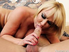 Johnny Castle loves fuckable bum hole of Mellanie Monroe with bubbly bottom and shaved muff
