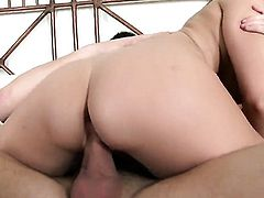Vanessa Cage wants mans dick to fuck her mouth