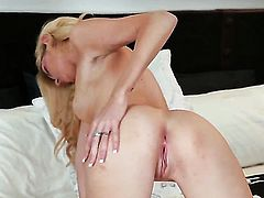 Emily Kae with tiny tities and hairless bush cant stop dildoing her pussy