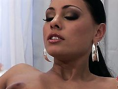 Aneta Keys shows off her naughty bits