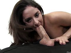Sheena Ryder satisfies her sexual needs