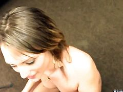 Cheyenne Cooper tries her hardest to make hot bang buddy bust a nut