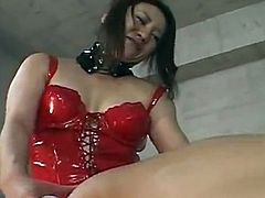 Sleaze Japanese MiLF inside scarlet latex around the strap onto does some damage