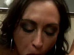 Horny brunette milf Claudia deepthroats a dick and enjoys it doggystyle