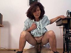Sewing grandmother appreciates having sex youthful zonker