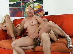 Serena Marcus lets Danny Mountain stick his thick cock in her mouth