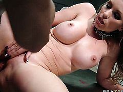 Johnny Sins fucks Courtney Cummz with juicy jugs as hard as possible in steamy action