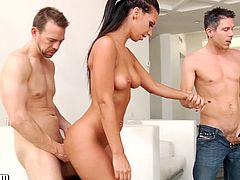 Not to miss! Bootylicious babe Jada Stevens in the wildest double penetration video!