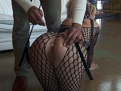 Suave pornstar in high heels deepthroating a big cock before getting pounded doggystyle