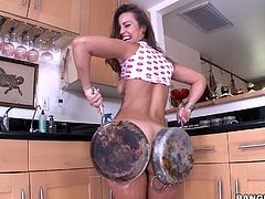 If you were searching for an exciting ass parade, click to see a slutty brunette babe, who is very proud of her looks. Her big ass is so attractive and her buttocks really look even more amazing when oiled. See the flexible lady, exposing her body in the kitchen, under the greedy regards of a horny partner.