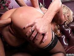 Danny Mountain uses his rock hard tool to bring Simone Sonay to the height of pleasure
