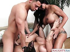 Seth Gamble cant resist sexy bodied Jewels Jades acttraction and bangs her like crazy