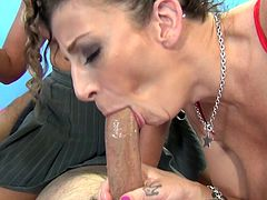 Captivating tattooed milf with medium ass giving her horny guy blowjob then yelling while being feasted hardcore doggystyle in group sex