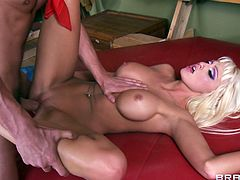 Bimbo blonde in pretty pink lipstick fucked in her smooth pussy