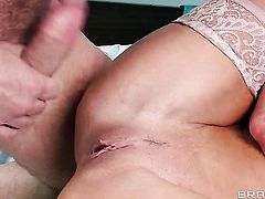 Veronica Avluv with juicy boobs does her best to make hard cocked dude John Strong cum
