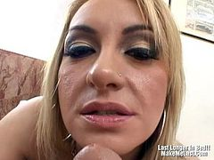 Gorgeous Blonde Fuck Bigcock At The Bathroom