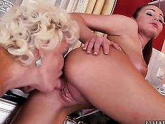 Brunette Effie and Nelly Sullivan show their love for lesbian sex