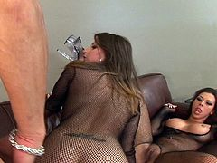 Extreme hardcore Sex-Two looking nice babe enjoy this hardcore scene and they drilled by a big and hard dick in this tube.