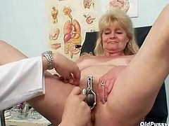 Pussy enema and speculum play in medical exam