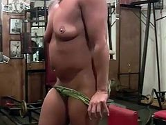 Female Bodybuilder Paloma at The Gym