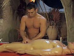 Nice art film from Asia and India exhibiting us exotic self-massage genital techniques.