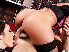 Brianna Brooks and horny guy John Strong