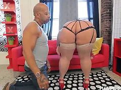 Plumper Pass brings you a hell of a free porn video where you can see how this sexy curvy milf gets her ass fucked and filled by bbc while assuming very interesting positions.