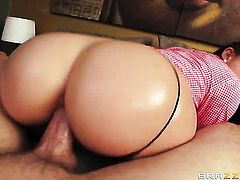 Jordan Ash has fantastic oral sex with after bum hole fucking