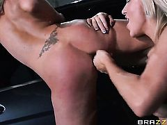 Cameron Dee and Nina Elle do lewd things together