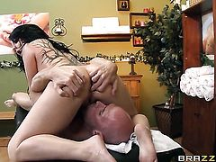 Johnny Sins loves fuckable back porch of Casey Cumz before mouth job
