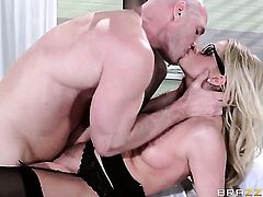 Johnny Sins uses his sturdy meat stick to make Jessa Rhodes happy