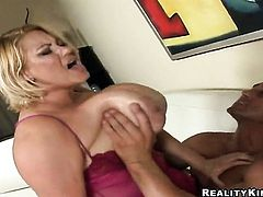 Blonde makes her dirty dreams a reality with Billy Glides love torpedo in her mouth