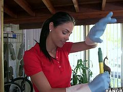 Jasmine Caro is another incredibly sexy sexy maid. Pretty brunette in skin tight jeans takes off her red t-shirt and then her bra to show her big perfect tits. She cleans the room topless and feels no shame.