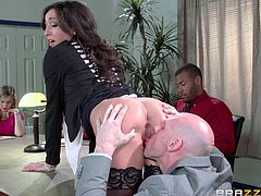 stephani moretti gets fucked on the office table
