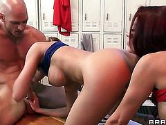 Monique Alexander with massive knockers gets pleasure with throbbing meat pole in her mouth