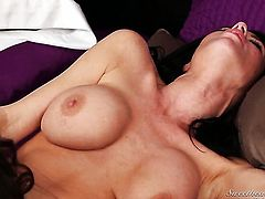 Veronica Avluv eats beaver like no other and Nina James knows it
