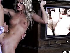 Jessa Rhodes makes her dirty dreams a come to life with Johnny Sinss man meat in her mouth