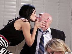 Vanilla Deville  Jessa Rhodes tries her hardest to make hot bang buddy Johnny Sins bust a nut