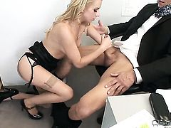 Lexi Belle knows no limits when it comes to blowing her fuck buddys meat stick