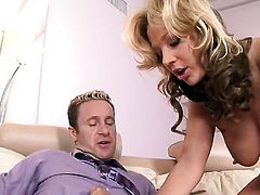 Nikki Sexx lets man fuck her sweet mouth