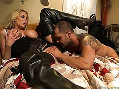 Nacho Vidal is one hard-dicked guy who loves screwing Alanah Rae