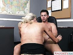 Oriental Emma Starr is good on her way to make hot bang buddy Seth Gamble bust a nut