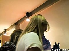 Blonde Blue Angel fills the hole between her legs with vibrator