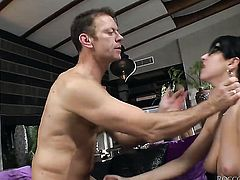 Rocco Siffredi pulls out his love torpedo to fuck in the bottom before deep throat job