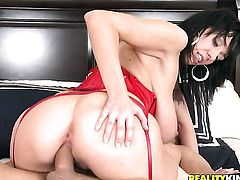Ramon Nomar attacks fabulously hot Alia JanineS mouth with his love torpedo