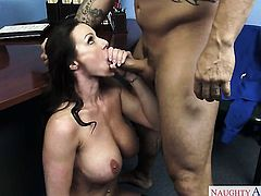 Derrick Pierce plays hide the salamy with Kendra Lust with huge tits and bald snatch