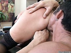 Billy Glide seduces India Summer into fucking