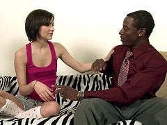 A hung black guy knows how to satisfy white girl Kelly Klass