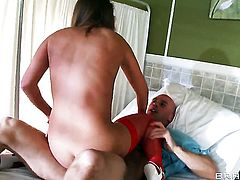 Kennedy Leigh fucked in a hospital room