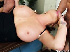Alexis Ford gets dicked by Logan Pierce the way she loves it